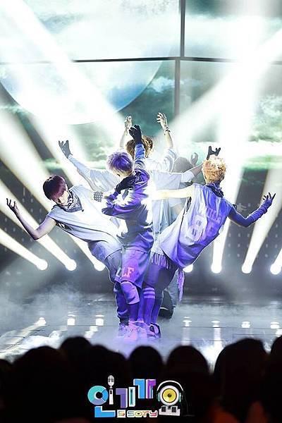 EXO (12).jpg