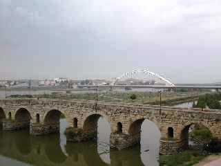瓜迪亞納橋.jpg