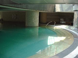 信義香榭游泳池
