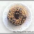 巧克力花生甜甜圈