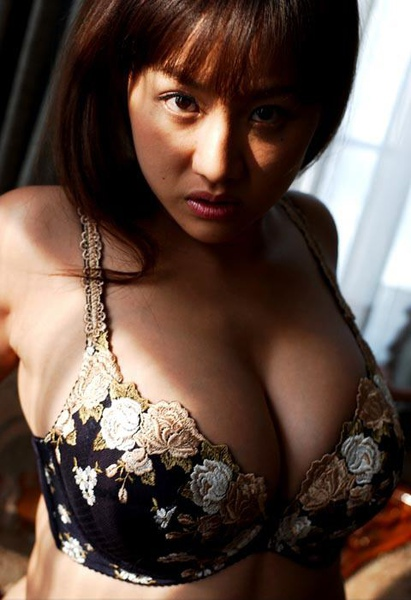 AyamiSAKURAI.01.06.jpg