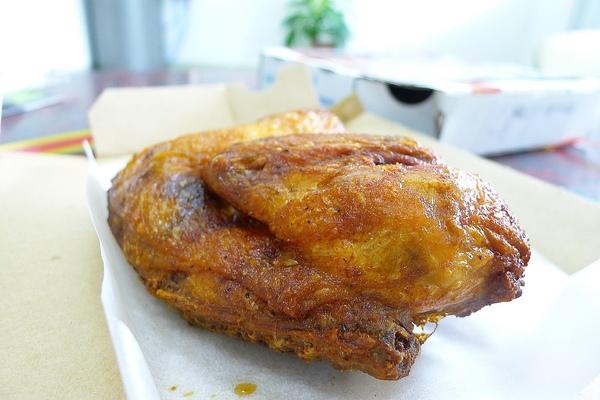 台灣達美樂:達美樂『龍蝦霸丸比薩、鴻運香汁雞』