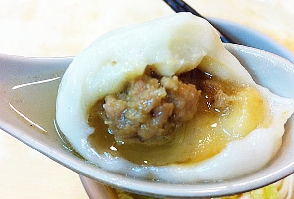 施家鮮肉湯圓:台北延三夜市_鮮肉湯圓_有名的老店啊!!!