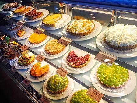 【台北陽明山 | 咖啡廳】野餐良伴---亞尼克夢想村1、2號店♣超可愛杯子蛋糕與美味檸檬派