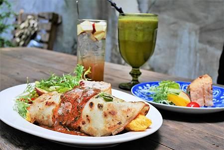 【台南中西區 | 餐廳】滿園與舊時空交錯的綠意❦來了。老宅風格餐廳