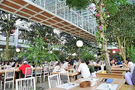 【宜蘭員山   餐廳】美麗溫室花園裡的自助美饌❀香草菲菲