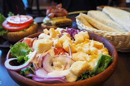 【台北信義區 | 餐廳】乘載著夏威夷的熱情與獨特風味☀KUA `AINA (微風信義店)