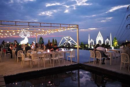 【新竹湖口   景觀咖啡廳】一場綺麗的仲夏夜之夢✡夏季三角景觀咖啡廳