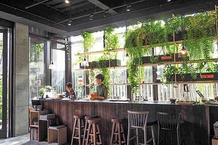 【新竹竹北 | 景點】綠影婆娑的美好院落與人文美學空間 ❦ 厚食聚落 x 半畝院子若山館