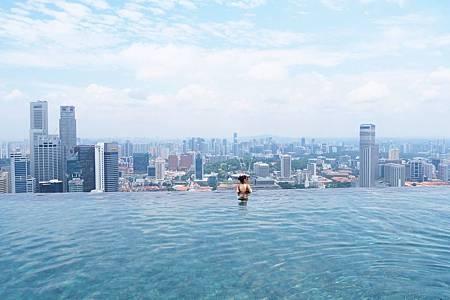 【新加坡 | 住宿】暢泳全世界最大的高空無邊際泳池✦濱海灣金沙酒店 (Marina Bay Sands)