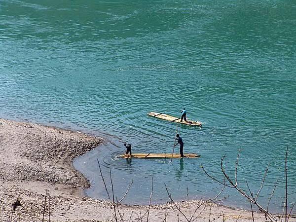 福貢附近的小舟