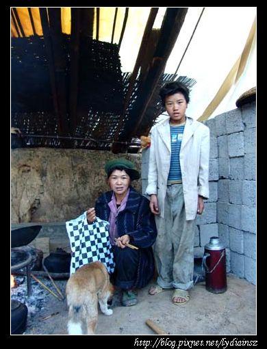 尼低社的傈僳族人