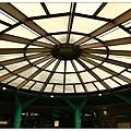 地鐵站內的屋頂