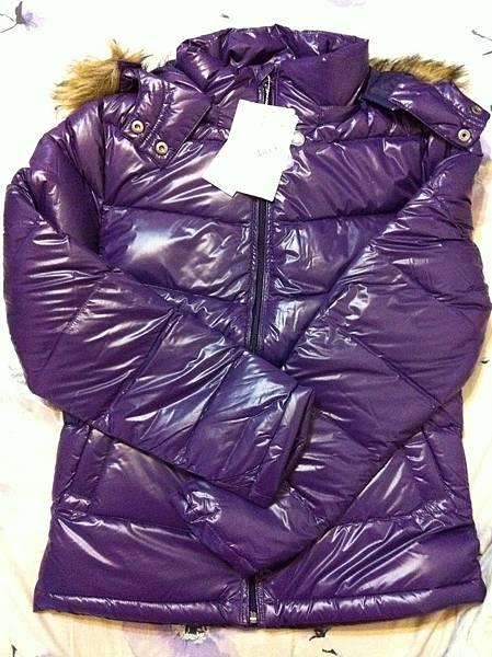 選了紫色的