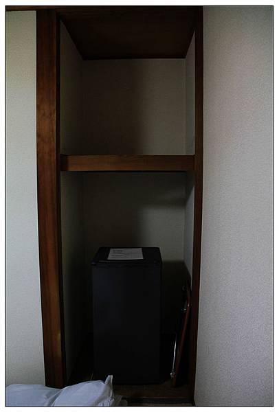 冰箱、折疊小桌子