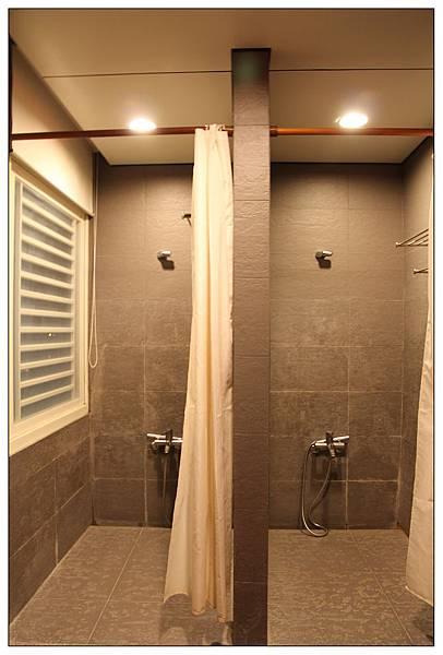 有兩間shower