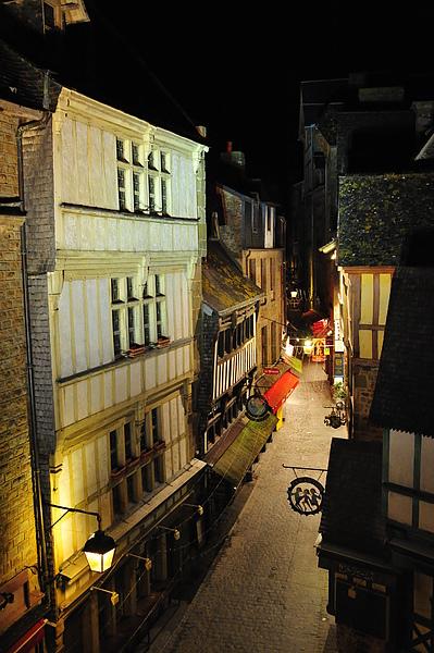 晚上的街景