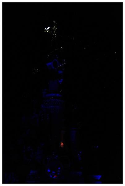 城堡的燈光全暗了