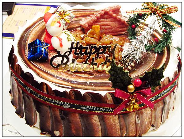 蛋糕仍然帶著聖誕氣氛