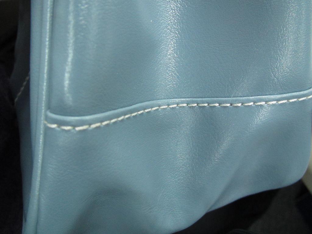這是包包側邊的縫線