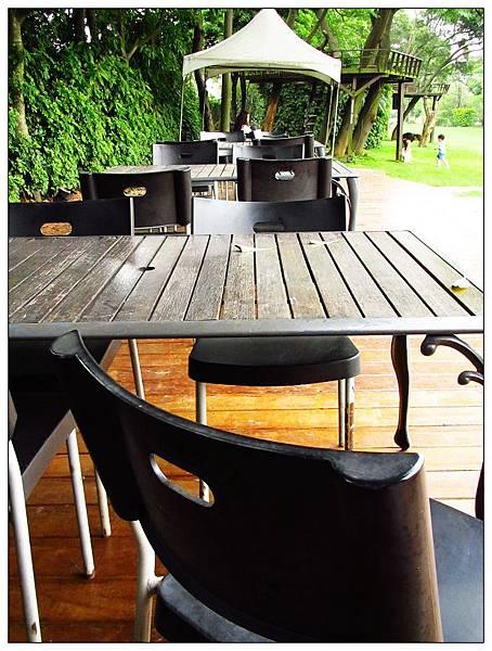 桌椅也換新了!!