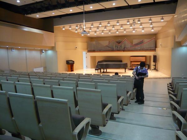 音樂廳No.4:有管風琴