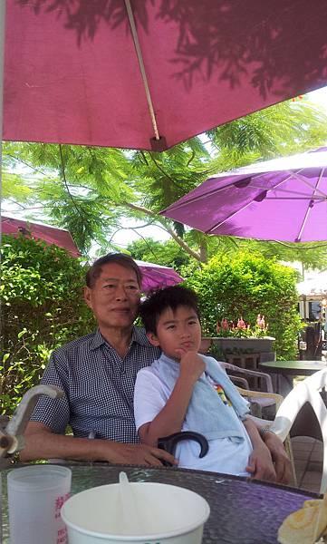 2011-07-24 12.23.06.jpg