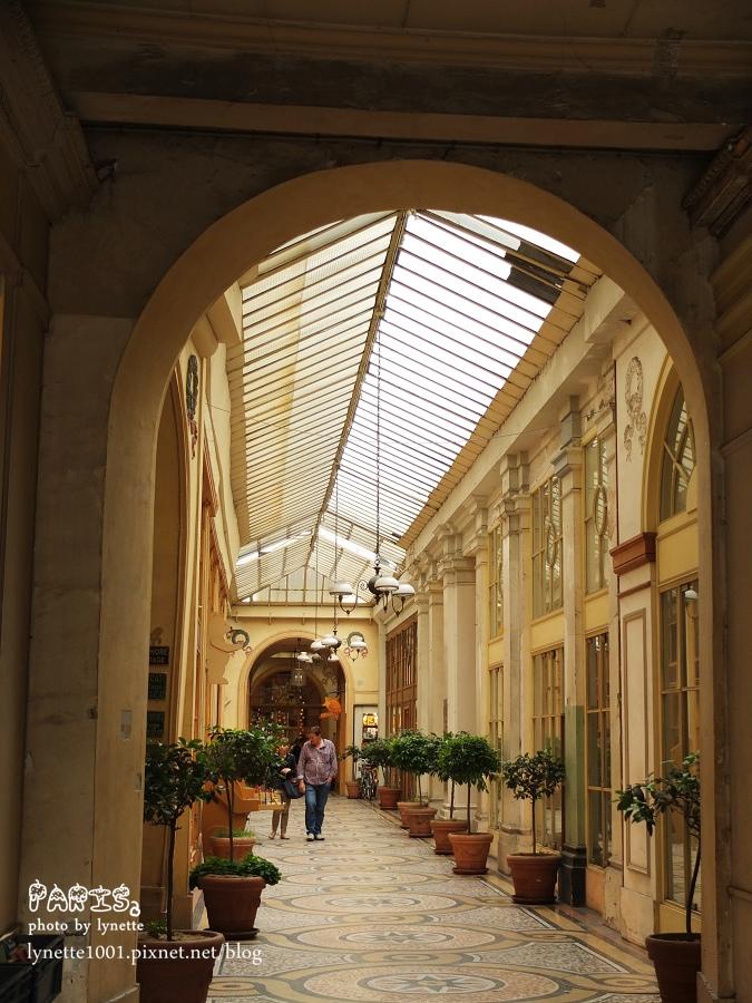 薇薇安拱廊2012-0709-232011.JPG