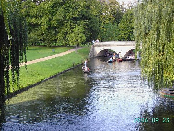 Punting in River Cam (2)