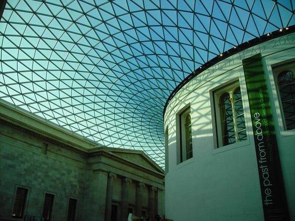 Inside the British Museum [大英博物館的屋頂]