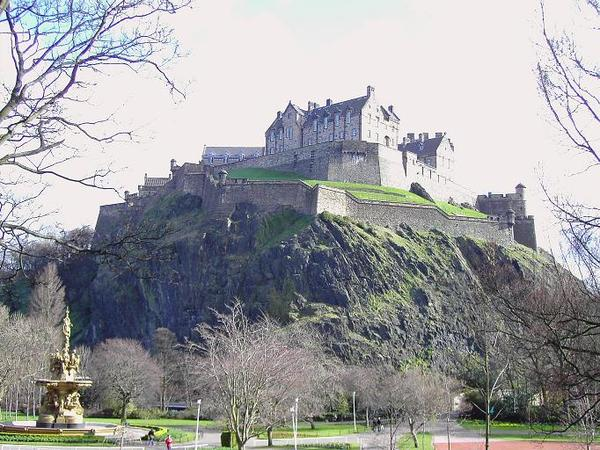 Looking at Edinburgh Castle from Princes Street