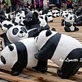 07. Paper panda pyramids [疊羅漢]