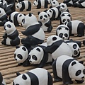 15. Helpful paper panda [紙貓熊互助一臂之力]