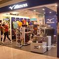 01. 位於夢時代購物中心的MIZUNO美津濃跑鞋實體店鋪