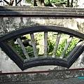 07. Fan-shaped Window.JPG