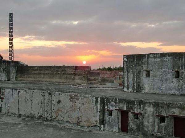Watch the sunset @ the Qihou Battery [在旗後砲台看落日餘暉]