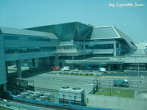 View from Taoyuan Airprot [桃園機場往外看的景色]