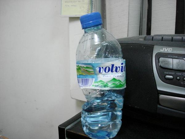 Gackt丟下來的水瓶