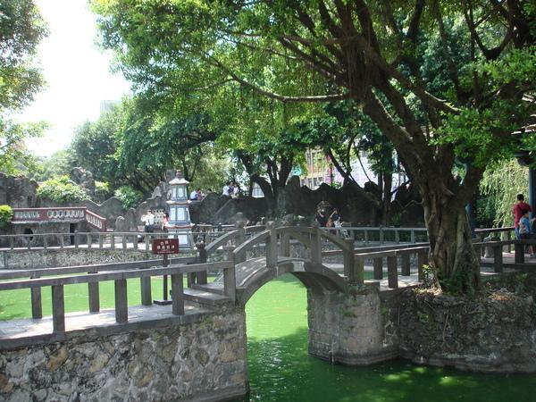 榕蔭大池拱橋
