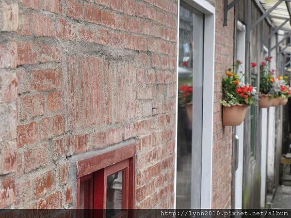 •四四南村• 紅磚牆