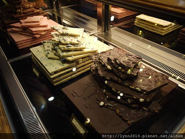 宮原眼科-各式口味的巧克力餅…(好肥滋滋ㄚ~~~)