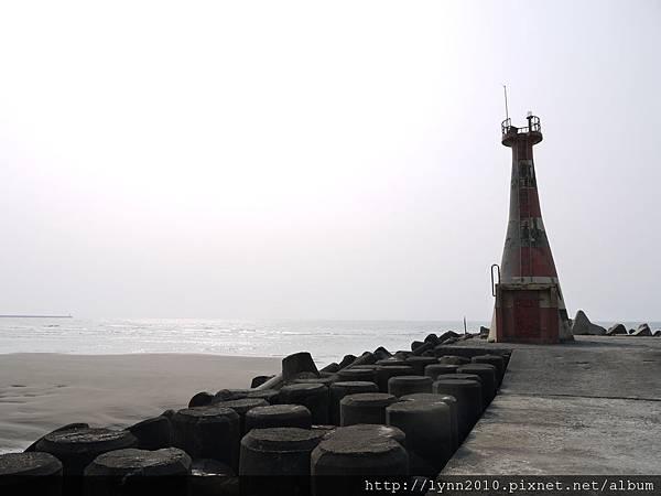 台中海邊  廢棄燈塔