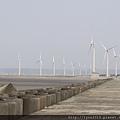 台中海邊  風車與防波石