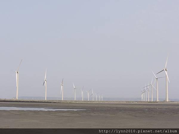 台中海邊  風力發電的風車