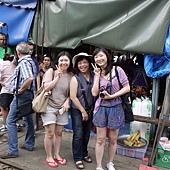 3.MaeKlong Train Market美功鐵路市場 (21)