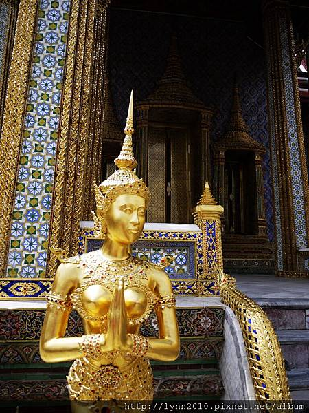 2.The Grand Palace (104)