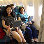 4.國泰航空 曼谷到香港轉機回台灣 (2)