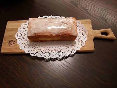 1031210檸檬蛋糕(淋面).jpg