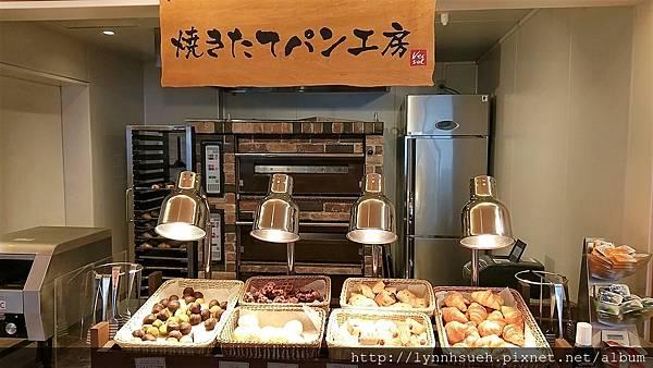Vessel Inn Sapporo Nakajima Park早餐(麵包區)