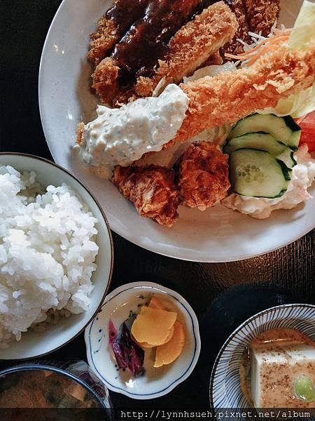 炸蝦豬排定食1,250円-阿蘇駅旁「御食事处坊中亭」